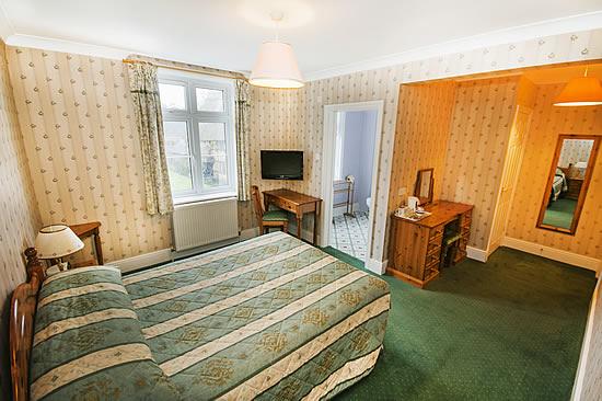 Lyndhurst Bed And Breakfast The Pennyfarthing Hotel